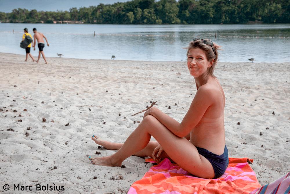 Vrouw mag niet topless zonnen in Vught
