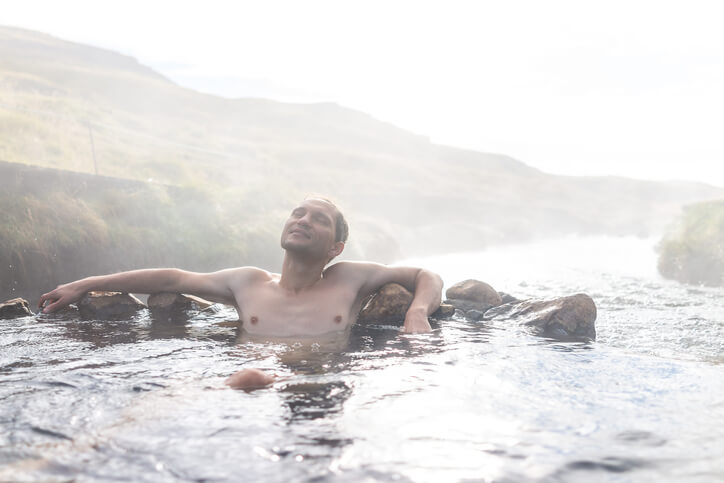 blootgewoon-warm-waterbronnen-Reykjadalur