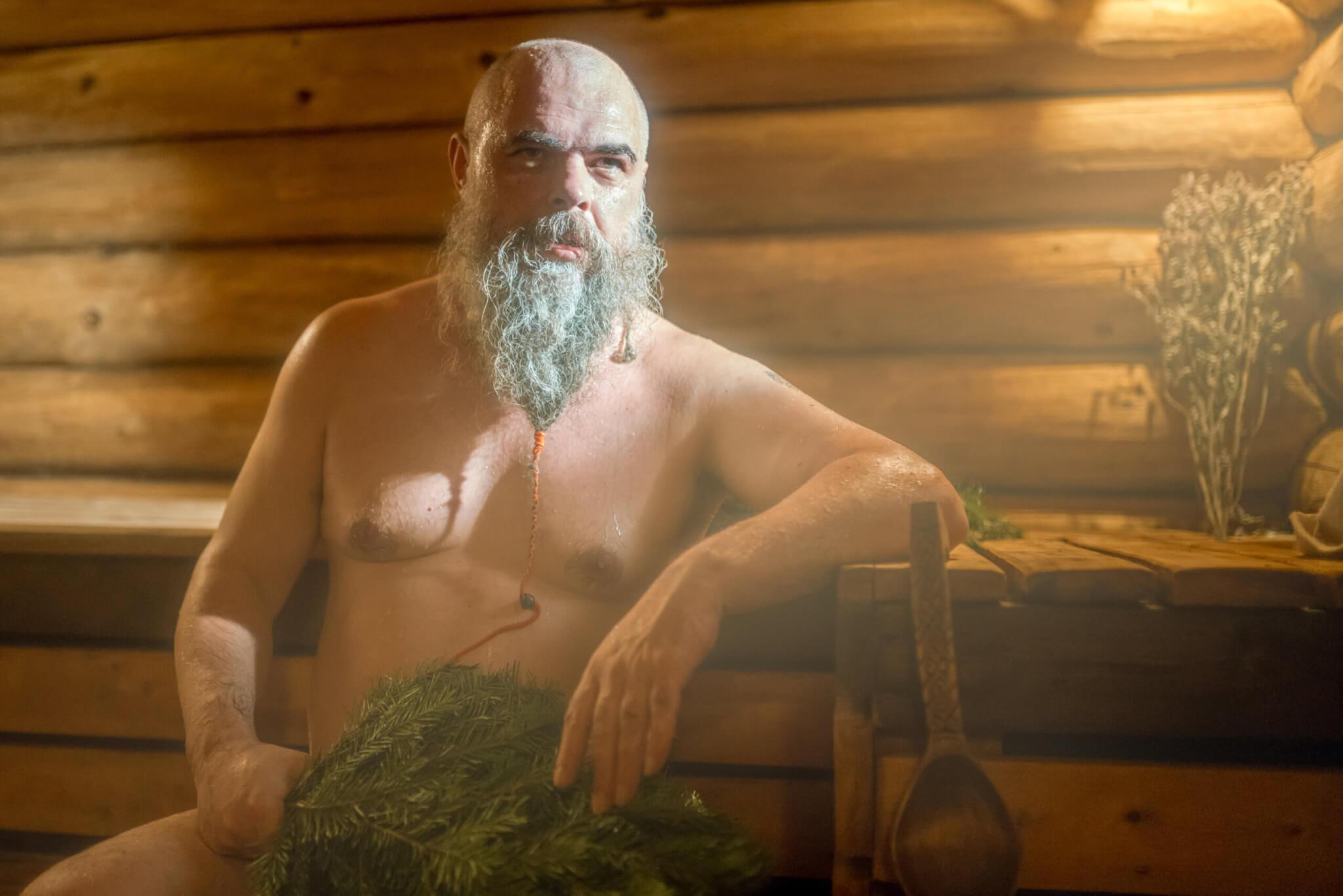Sauna Rusland met takkenbos BlootGewoon!