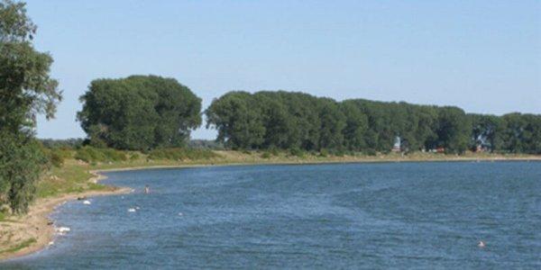 1616-nederland-naaktstrand-gelderland-bisonbaai-00