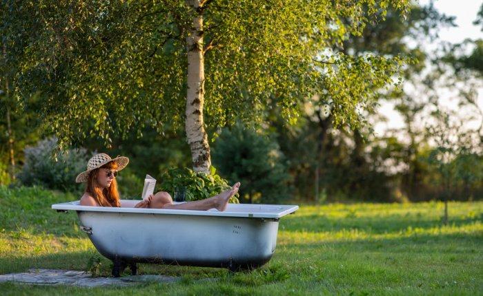 Summer_bathtub_book_1
